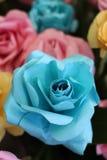 Turkosorigami Rose Made av papper Fotografering för Bildbyråer
