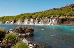 Turkosström med vattenfall Royaltyfri Fotografi