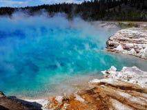 Turkosvatten av den excelsior geyseren, Yellowstone nationalpark Fotografering för Bildbyråer