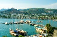 Turkosvatten av hamnen av Bodrum, Turkiet Royaltyfria Bilder