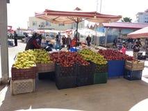 Turks bazaarfruit en plantaardige box royalty-vrije stock foto