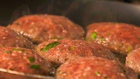 Turks vleesballetjevoedsel stock footage