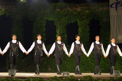 Turkse dansers die handen op stadium houden Royalty-vrije Stock Fotografie