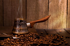 Turkse koffie het brouwen pot Royalty-vrije Stock Foto