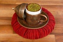 Turkse koffie met hazelnoot royalty-vrije stock foto's