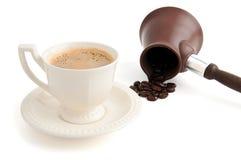 Turkse koffiekan en kop van koffie Stock Afbeelding