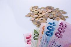 Turkse Liremuntstukken en bankbiljetten zij aan zij royalty-vrije stock foto's
