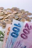 Turkse Liremuntstukken en bankbiljetten zij aan zij royalty-vrije stock foto