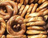 Turkse Ongezuurde broodjes - Simit Royalty-vrije Stock Afbeelding