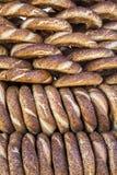 Turkse Ongezuurde broodjes/Simit Stock Afbeelding