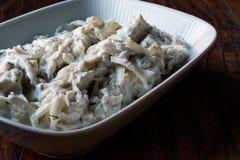 Turkse selderiesalade met yoghurt en mayonaise/kereviz salatasi Royalty-vrije Stock Afbeelding
