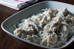 Turkse selderiesalade met yoghurt en mayonaise/kereviz salatasi Royalty-vrije Stock Foto