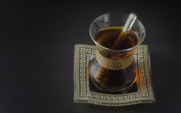 Turkse thee in traditionele glas royalty-vrije stock foto