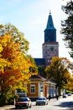 TURKU, FINLANDIA - OTTOBRE 6,2014: Via alla cattedrale di Turku in a Fotografia Stock Libera da Diritti