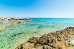 Turkusowy morze w Scoglio Di Peppino plaży Obrazy Stock