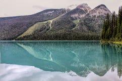 Turkusowy Szmaragdowy jezioro, Kanada w lecie Obraz Stock