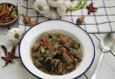 Turlu - turkisk ragu av grönsaker, med potatisar, aubergine Arkivfoto