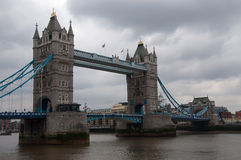 Turm-Brücke -- London, England Stockbild