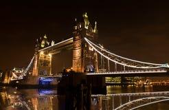 Turm-Brücke London England nachts Lizenzfreies Stockbild