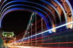 Turm-Brücke in London, Großbritannien in der Nacht Lizenzfreies Stockbild