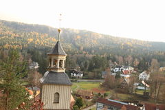 Turm der Gebirgskirche Oybin Stockfotos
