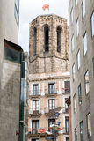 Turm der Kirche Santa Maria del Pi in Barcelona, Spanien Lizenzfreie Stockfotos