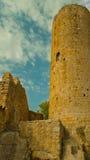 Turm der mittelalterlichen Festung des Th an den Kumpeln Spanien Stockbild