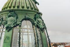 Turm des Hauses des Sängers oder des Zinger auf Nevsky Prospekt, St. Petersbyrg, Russland Lizenzfreie Stockbilder