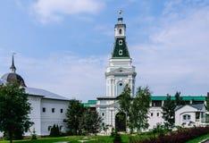 Turm des rohen Natronsalpeters Heiliges Dreiheit-St. Sergiev Posad Stockfoto