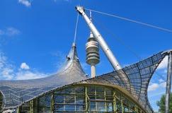 Turm des Stadions des Olympiapark in München Stockfotos