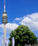 Turm des Stadions des Olympiapark in München Lizenzfreie Stockfotos