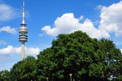 Turm des Stadions des Olympiapark in München Stockfoto