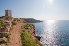 Turm Għajn Tuffieħa, über goldener Bucht, Malta, Europa Lizenzfreies Stockfoto