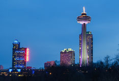 Turm, Kasino und Hotels Skylon bei Niagara Falls Stockfotografie