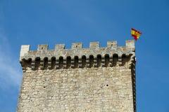 Turm mit Spanien-Flagge Lizenzfreie Stockfotografie