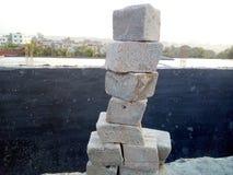 Turm mit Zementfelsen Lizenzfreies Stockbild