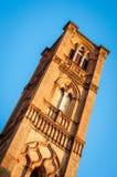 Turm Sans Francesco Church, Bologna Italien Lizenzfreies Stockbild