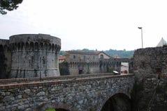 Turm und Wände der Festung lizenzfreies stockfoto