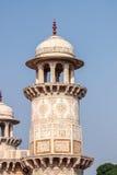 Turm von Itmad-Ud-Daulah` s Grab - Agra, Indien Lizenzfreies Stockfoto