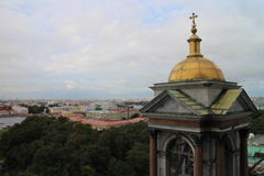 Turm von ` s St. Isaac Kathedrale, St Petersburg Stockfotografie