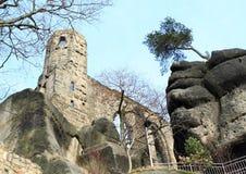 Turm von Schloss und von Kloster Oybin Lizenzfreie Stockfotos