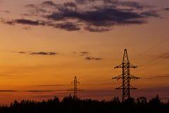 Turm von Stromleitungen Stockbilder