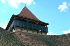 Turm von verstärkt, Sachse, mittelalterliche Kirche im Dorf Viscri, Siebenbürgen Stockfotografie