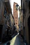 Turm von vier Seiten von einer schmalen Straße von Noli Lizenzfreie Stockfotos
