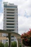 Turm 25, wie von Eleftheria-Quadrat angesehen Lizenzfreie Stockbilder