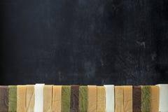 Turmstapel verschiedene Arten von handgemachten Seifen stockbilder