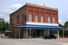 Turn of the Century Post Office & Model T Ford. Historic post office building in Oronogo, Missouri.  A 1927 Ford Model T coupe is parked in front of the building Stock Images