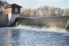 Turner Reservoir-Abflusskanal Stockbilder