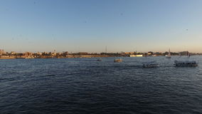 Turnera fartyg på Nilen på Luxor lager videofilmer
