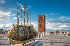 Turnera guld- garneringar Rabat Marocko för det Hassan tornet Arkivfoto